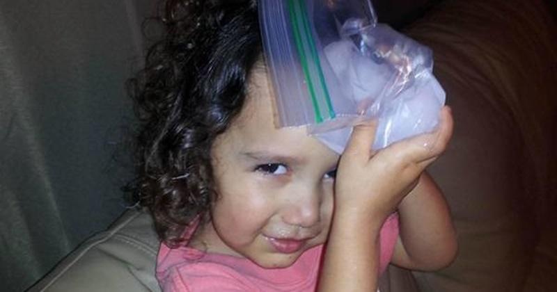 Cách xử lí khi bé bị côn trùng cắn